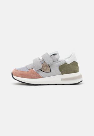Sneakers - white/light pink