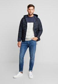 Produkt - PKTAKM FORUM - Winter jacket - navy blazer - 1