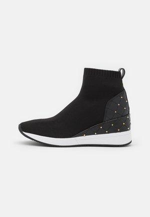 SKYLER BOOTIE - Sneakers hoog - black