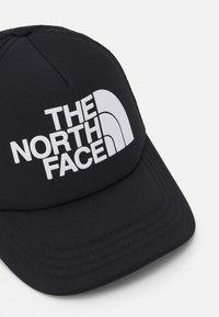 The North Face - LOGO TRUCKER UNISEX - Pet - black/white - 3