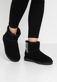 Mexx - DOORTJE - Kotníkové boty - black - 0