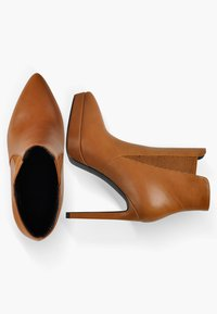 Only Maker - High heeled ankle boots - cognac - 4