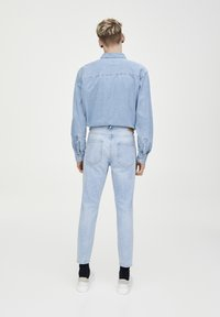 PULL&BEAR - Jeans Tapered Fit - light blue - 2