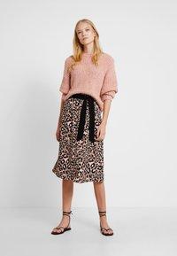 s.Oliver BLACK LABEL - KURZ - A-line skirt - brown - 1