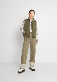 Levi's® Made & Crafted - LONG COLUMN - Relaxed fit jeans - light moss - 1
