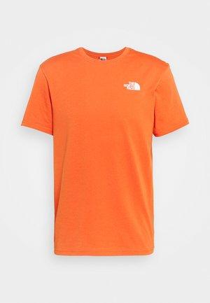 MEN´S TEE - T-shirt imprimé - burnt ochre/monterey blue ashbury