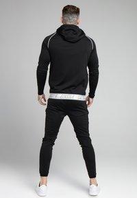 SIKSILK - SCOPE SIGNATURE TAPE ZIP THROUGH HOODIE - Training jacket - black - 2