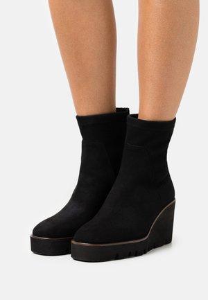 ZEPPA - Platform ankle boots - black