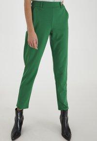 ICHI - IXKATE - Trousers - amazon - 2