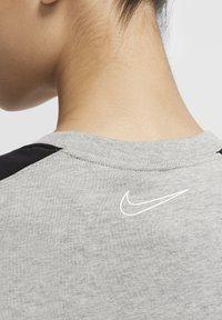 Nike Sportswear - ARCHIVE - Print T-shirt - dark grey heather/black/white - 4