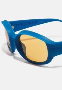Burberry - UNISEX - Sluneční brýle - blue - 4
