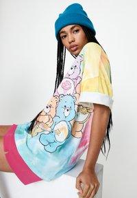 PULL&BEAR - T-shirt imprimé - multi-coloured - 4