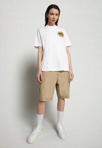 Napapijri - S-ALHOA - T-shirt med print - white graph m - 0