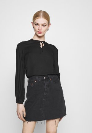 ONLANNALIE - Blouse - black