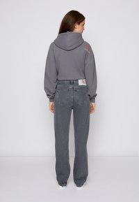 Calvin Klein Jeans - HIGH RISE STRAIGHT - Straight leg jeans - denim grey - 2