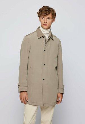 DAIN7 - Short coat - open brown