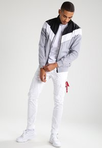 Urban Classics - Long sleeved top - white/black - 1
