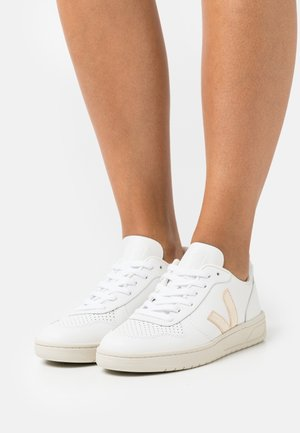 V-10 - Trainers - extra white/platine/silver