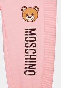 MOSCHINO - UNISEX - Kalhoty - sugar rose - 2