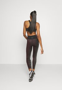 Nike Performance - RUN EPIC - Leggings - team red/black - 2