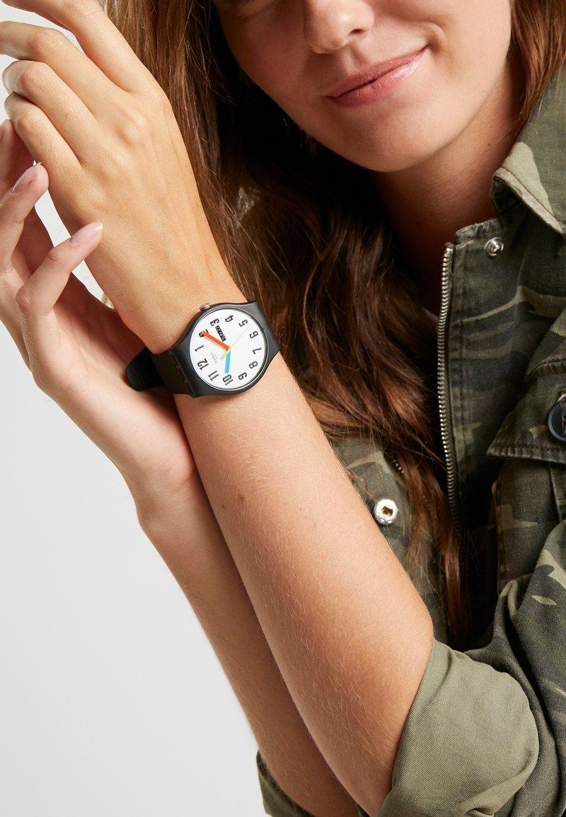 Swatch - ELEMENTARY - Horloge - schwarz