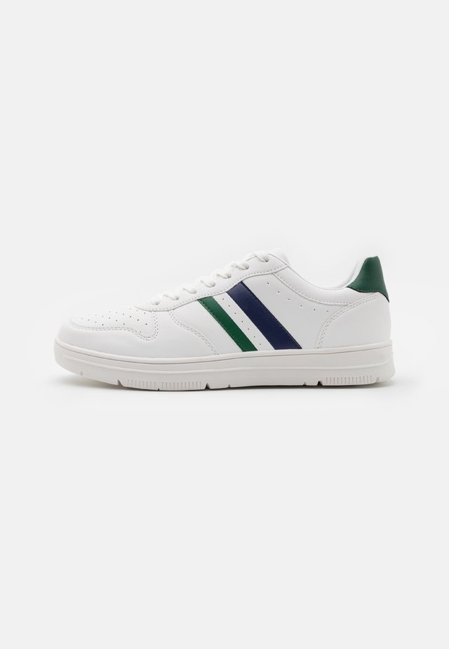 HAYWARD 3.0 - Trainers - white/green sports stripe
