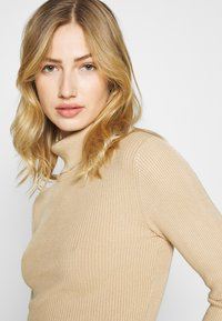 Even&Odd - 2-PACK-CROPPED TURTLE NECK - Jumper - black/sand - 6