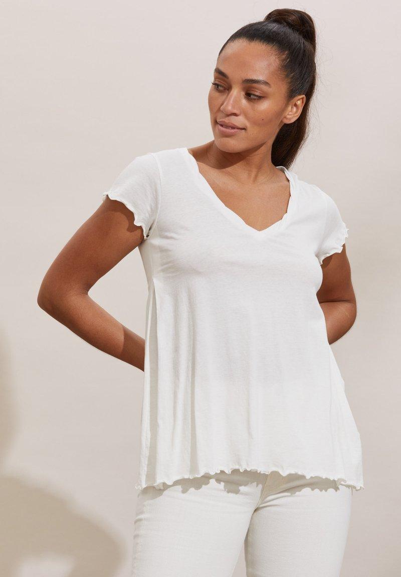 Odd Molly - CAROLE - Print T-shirt - light chalk