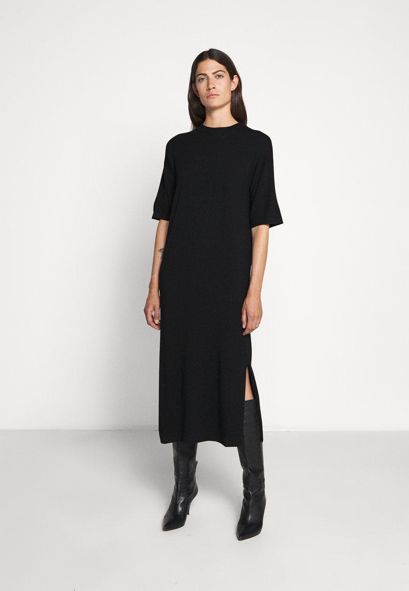 WEEKEND MaxMara - ONDA - Pletené šaty - schwarz