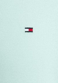 Tommy Hilfiger - V NECK - Neule - oxygen - 8