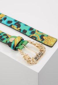 Versace Jeans Couture - BAROQUE PRINT REGULAR BELT - Cintura - frog - 2