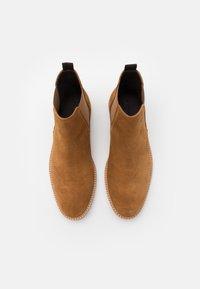 Zign - Classic ankle boots - cognac - 3
