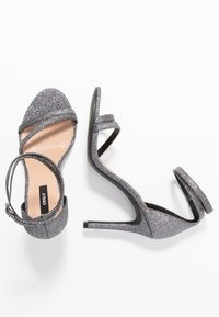 ONLY SHOES - ONLAILA WRAP - Sandali con tacco - black - 3