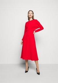 Victoria Beckham - DOLMAN MIDI DRESS - Denní šaty - tomato red - 1