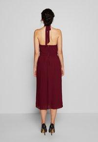 TFNC Tall - SAMANTHA TALL - Vestido de cóctel - burgundy - 2