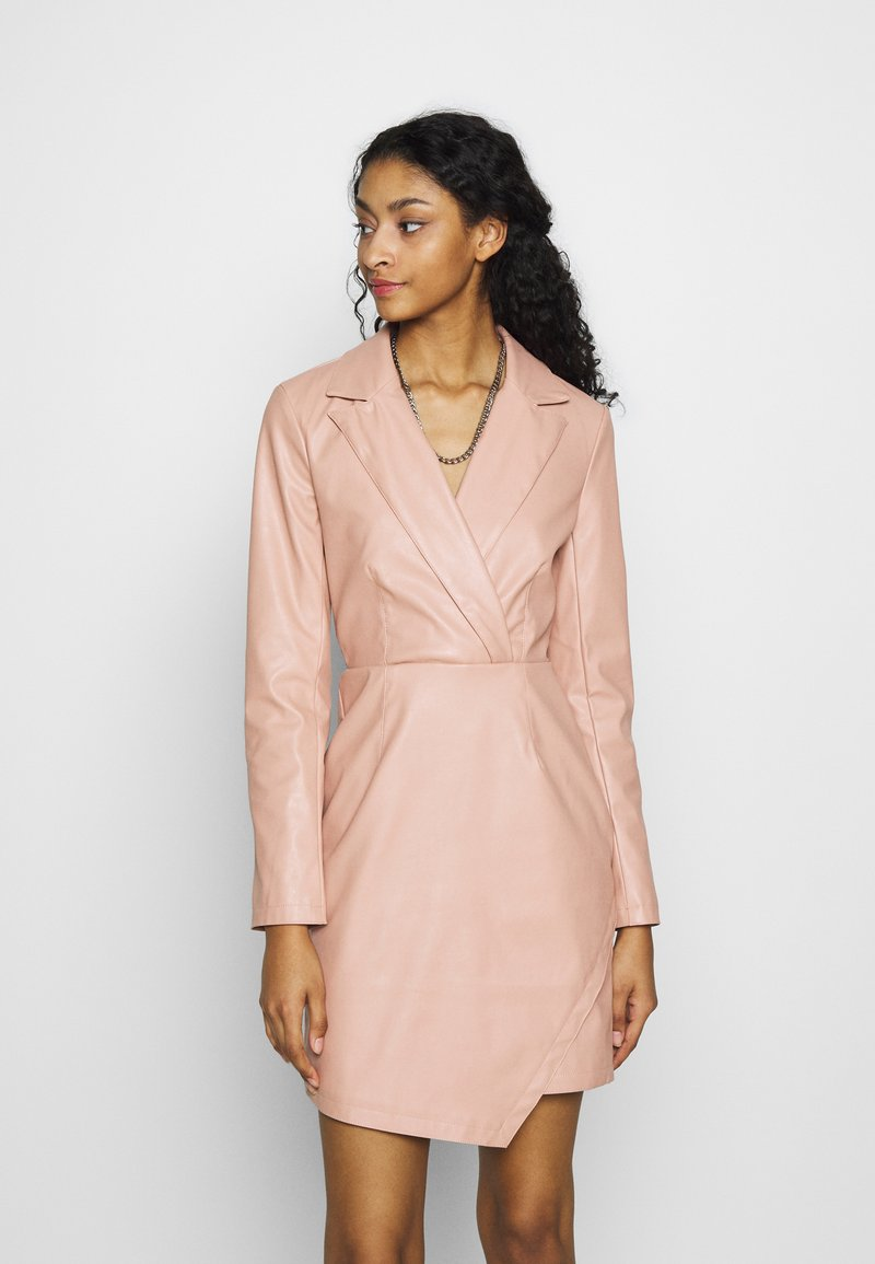 NA-KD - BLAZER DRESS - Cocktailkjoler / festkjoler - dusty pink