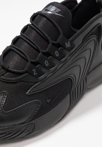 Nike Sportswear - ZOOM  - Baskets basses - black/anthracite - 5
