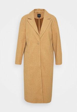 RELAXED SINGLE BREASTED COAT - Klasický kabát - camel
