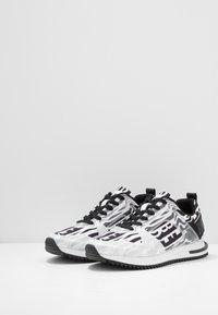 Bikkembergs - HECTOR3 - Trainers - black/white - 2
