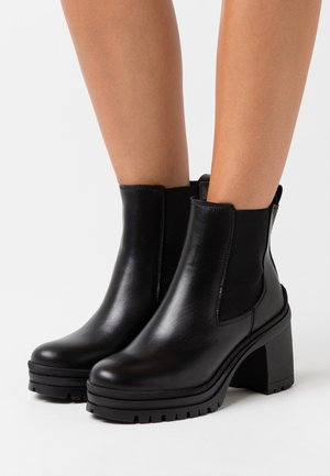 YASTIPO BOOTS - Platform ankle boots - black