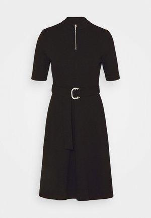 NIMONA - Pletené šaty - black