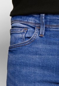 CELIO - ROSKLUE 45 - Slim fit jeans - blue - 5