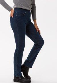 BRAX - STYLE PAMINA - Jeans slim fit - stoned - 2