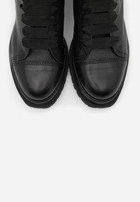 lilimill - Kotníkové boty na platformě - twister nero - 5