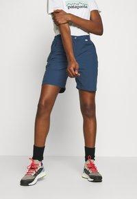 Regatta - CHASKA SHORT - Shorts - dark denim - 0