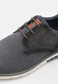 Pier One - Zapatos con cordones - grey - 5