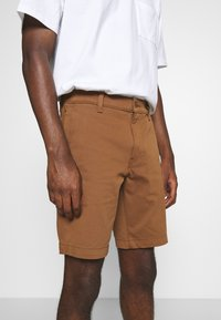 Levi's® - TAPER  - Shorts - dachshund - 3