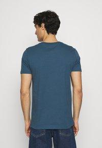 Marc O'Polo - SHORT SLEEVE - Basic T-shirt - deep dive - 2