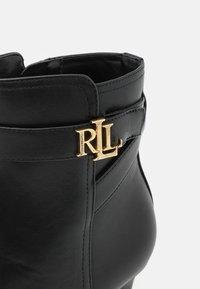 Lauren Ralph Lauren - ARIANNE - Kotníkové boty - black - 6