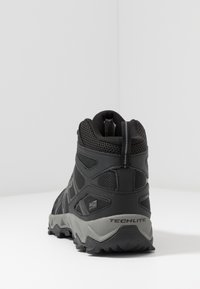 Columbia - PEAKFREAK X2 MID OUTDRY - Hiking shoes - black/titanium - 3